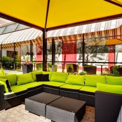 Отель Holiday Inn Helsinki - Vantaa Airport Финляндия, Вантаа - 9 отзывов об отеле, цены и фото номеров - забронировать отель Holiday Inn Helsinki - Vantaa Airport онлайн бассейн