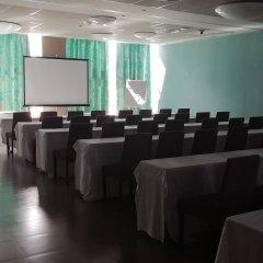 Отель Ciudad De Ponferrada Понферрада помещение для мероприятий