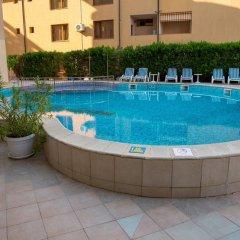 Отель Bahami Residence Болгария, Солнечный берег - 1 отзыв об отеле, цены и фото номеров - забронировать отель Bahami Residence онлайн бассейн фото 2
