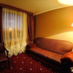Mir Hotel In Rovno комната для гостей фото 3