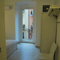 Отель Appartamento Aurora Бари сейф в номере