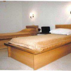 Alphine Hotel сейф в номере
