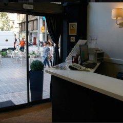 Отель Hostal Q Испания, Барселона - отзывы, цены и фото номеров - забронировать отель Hostal Q онлайн интерьер отеля