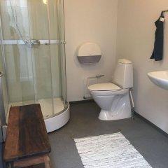 Отель Sleep-In Gellerup Дания, Орхус - отзывы, цены и фото номеров - забронировать отель Sleep-In Gellerup онлайн ванная
