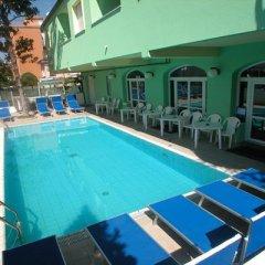 Отель Residence Eurogarden бассейн фото 3
