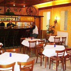 Отель Rila Budapest Венгрия, Будапешт - 3 отзыва об отеле, цены и фото номеров - забронировать отель Rila Budapest онлайн гостиничный бар