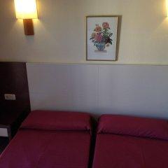 Отель Amoros комната для гостей фото 3