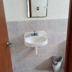 Отель Yennys Hostal Мексика, Канкун - отзывы, цены и фото номеров - забронировать отель Yennys Hostal онлайн ванная фото 2