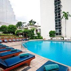 Narai Hotel бассейн