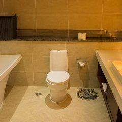 Отель Bintumani Hotel Сьерра-Леоне, Фритаун - отзывы, цены и фото номеров - забронировать отель Bintumani Hotel онлайн ванная фото 2