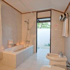 Отель Paradise Island Resort & Spa 4* Улучшенное бунгало с различными типами кроватей фото 4