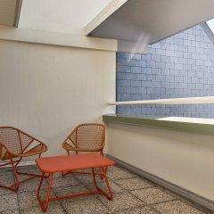 Отель FIAP - Hostel Франция, Париж - отзывы, цены и фото номеров - забронировать отель FIAP - Hostel онлайн балкон