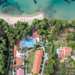 Porfi Beach Hotel пляж