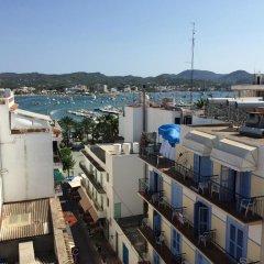 Отель Hostal Ferrer Испания, Сан-Антони-де-Портмань - отзывы, цены и фото номеров - забронировать отель Hostal Ferrer онлайн балкон