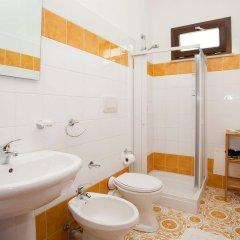 Отель Kunesias B&B Италия, Чинизи - отзывы, цены и фото номеров - забронировать отель Kunesias B&B онлайн ванная фото 2