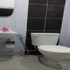 Отель Baan Pooh Inn Бангкок ванная
