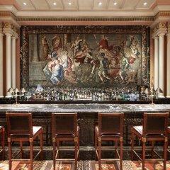 Отель Grande Bretagne, a Luxury Collection Hotel, Athens Греция, Афины - отзывы, цены и фото номеров - забронировать отель Grande Bretagne, a Luxury Collection Hotel, Athens онлайн гостиничный бар