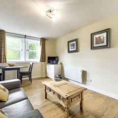 Отель Stunning Studio Apartment Castle View Великобритания, Эдинбург - отзывы, цены и фото номеров - забронировать отель Stunning Studio Apartment Castle View онлайн комната для гостей фото 2