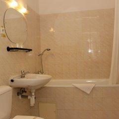 Отель Meran Чехия, Прага - 7 отзывов об отеле, цены и фото номеров - забронировать отель Meran онлайн ванная