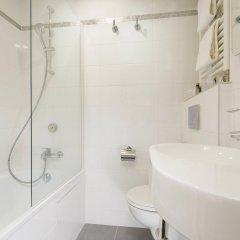 Hotel Des Arts Paris Montmartre ванная
