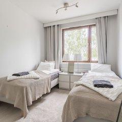 Апартаменты Local Nordic Apartments - Polar Bear Ювяскюля комната для гостей фото 2