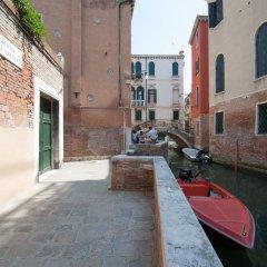 Отель Casa Albrizzi Италия, Венеция - отзывы, цены и фото номеров - забронировать отель Casa Albrizzi онлайн балкон