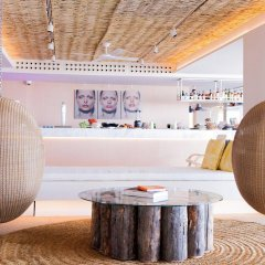 Отель ME Ibiza - The Leading Hotels of the World гостиничный бар