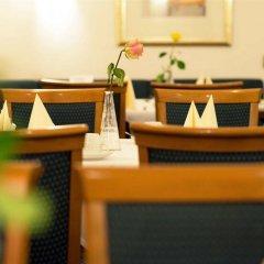 Отель Best Western Ambassador Hotel Германия, Дюссельдорф - 4 отзыва об отеле, цены и фото номеров - забронировать отель Best Western Ambassador Hotel онлайн интерьер отеля
