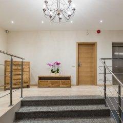 Отель Bearsleys Blacksmith Apartments Латвия, Рига - отзывы, цены и фото номеров - забронировать отель Bearsleys Blacksmith Apartments онлайн интерьер отеля
