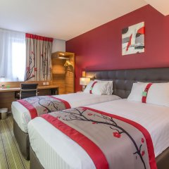 Отель Holiday Inn Clermont-Ferrand Centre Франция, Клермон-Ферран - отзывы, цены и фото номеров - забронировать отель Holiday Inn Clermont-Ferrand Centre онлайн комната для гостей фото 3