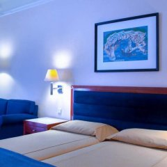 Mediterranean Hotel комната для гостей