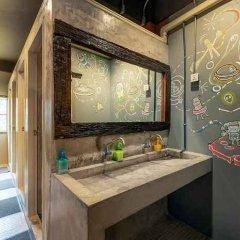 Sloth Hostel Don Mueang Бангкок ванная