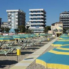 Hotel Astor Римини бассейн
