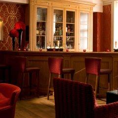 Отель De Vere Devonport House Великобритания, Лондон - отзывы, цены и фото номеров - забронировать отель De Vere Devonport House онлайн гостиничный бар