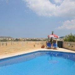 Отель Razzett Ta Pawlu Мальта, Арб - отзывы, цены и фото номеров - забронировать отель Razzett Ta Pawlu онлайн бассейн фото 2