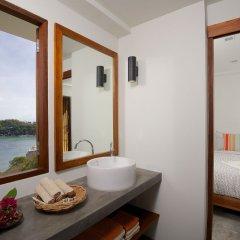 Отель Cape Shark Pool Villas ванная фото 2