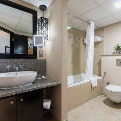 Отель Holiday Inn Dubai - Al Barsha ванная фото 2