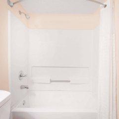 Отель Howard Johnson Express Inn Spartanburg - Expo Center ванная фото 2