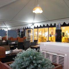 Royal Falcon Hotel гостиничный бар фото 3