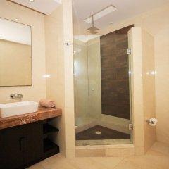 Отель Downtown Apartment Oasis 12 Мексика, Плая-дель-Кармен - отзывы, цены и фото номеров - забронировать отель Downtown Apartment Oasis 12 онлайн ванная