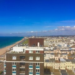 Отель Isabella Penthouse 15th Floor, Seafront комната для гостей