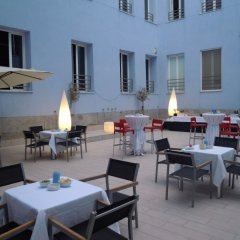 Отель Petit Palace Santa Barbara Мадрид бассейн