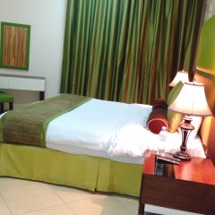 Al Waleed Palace Hotel Apartments Oud Metha комната для гостей фото 3