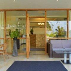 Отель Crystal Beach Inn Мале балкон
