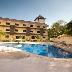 Отель Luckswan Resort бассейн