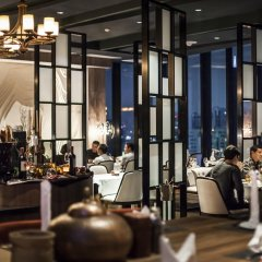 Отель The Continent Bangkok by Compass Hospitality гостиничный бар