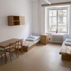 Dizzy Daisy Hostel комната для гостей фото 2