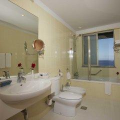 Отель Madeira Regency Cliff Португалия, Фуншал - отзывы, цены и фото номеров - забронировать отель Madeira Regency Cliff онлайн ванная
