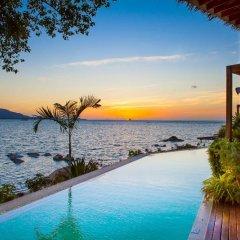 Отель Tamarina Bed & Bistro Таиланд, Самуи - отзывы, цены и фото номеров - забронировать отель Tamarina Bed & Bistro онлайн бассейн фото 3