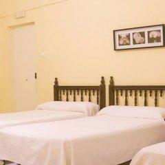 Отель Hostal Sierpes комната для гостей фото 5